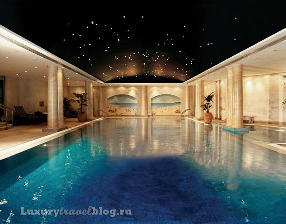 Observatory Hotel в Сиднее, тот самый бассейн, в честь которого назван отель
