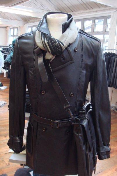 Началась главная лондоская распродажа дизайнерской одежды — Warehouse Sale