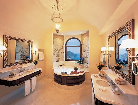 ванна в моем номере в отеле Caruso, 2007 год, Равелло, Италия