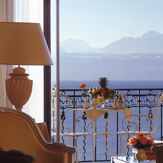 Beau-Rivage Palace, отель в Лозанне, Швейцария, комната с видом на Альпы