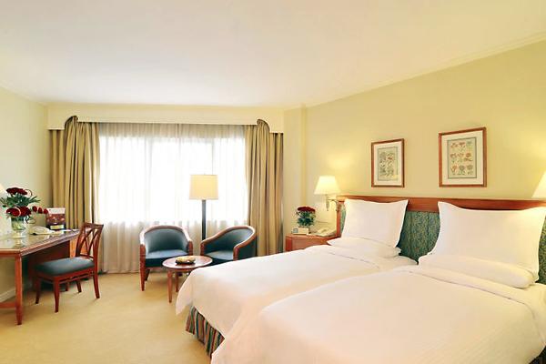 Mandarin manila-room-deluxe-room-1