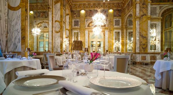 Hôtel de Crillon 2