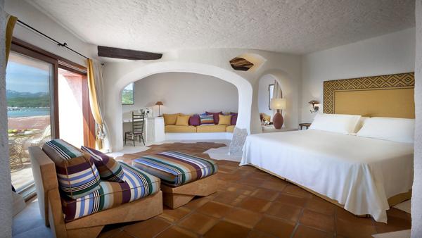 Cala_di_Volpe_Hotel_CostaSmeralda_Suite_Premium_Bedroom_5