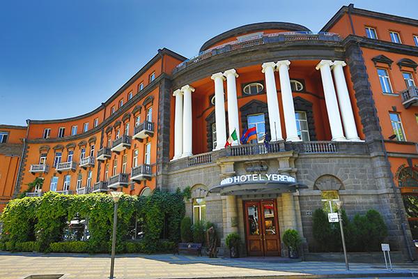Традиции Армении и итальянский шик: Grand Hotel Yerevan и Villa Delenda