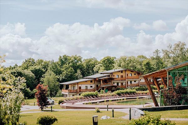Камерная свадьба в подмосковном отеле Welna Eco Spa Resort